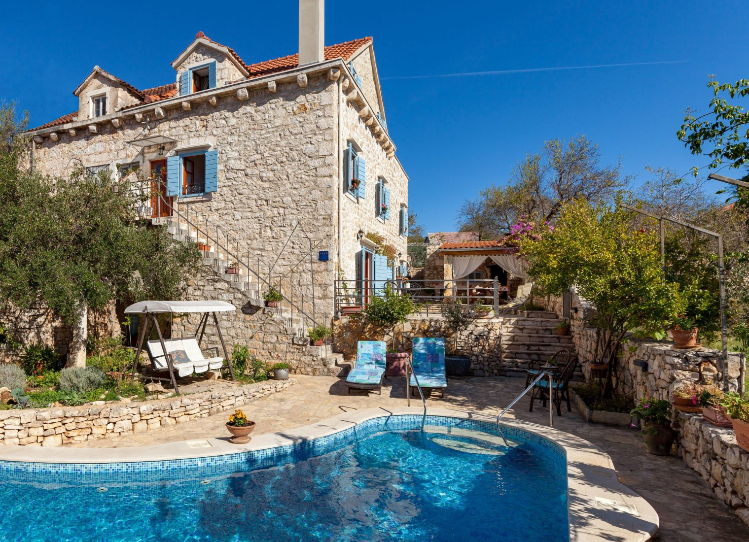 Villa Vicina with a private pool in Milna