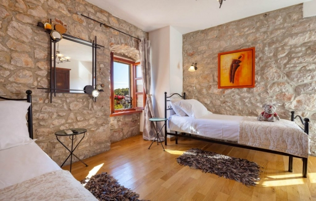 Charmingly decorated in Dalmatian style Twin bedded room