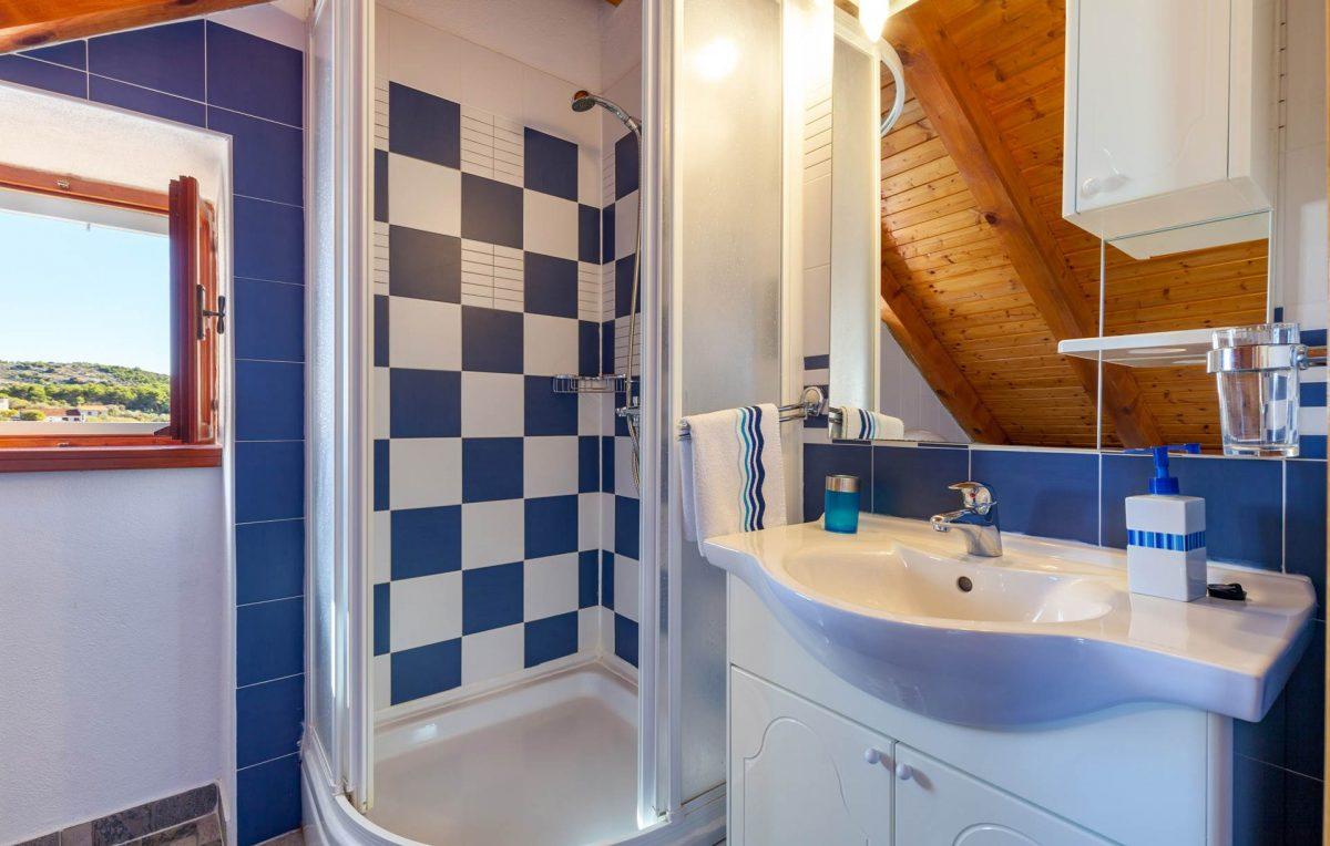 Shower cabin bathroom in the Villa Vicina